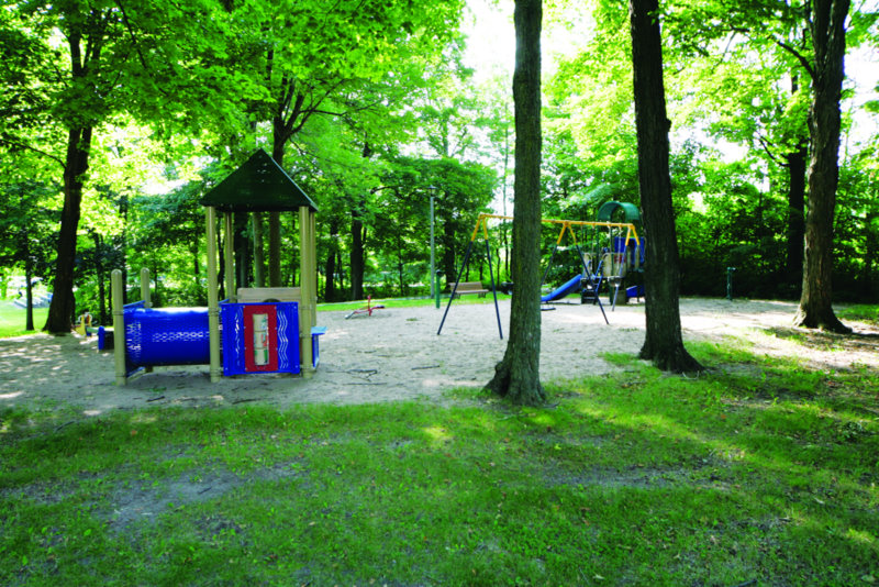 Click to enlarge image windermere playground.jpg